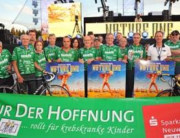"""Drei Nature-One-Plakate werden im Internet zugunsten der Benefiz-Aktion """"Vor-Tour der Hoffnung"""" versteigert"""